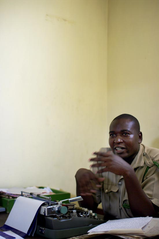 kenya prison guards