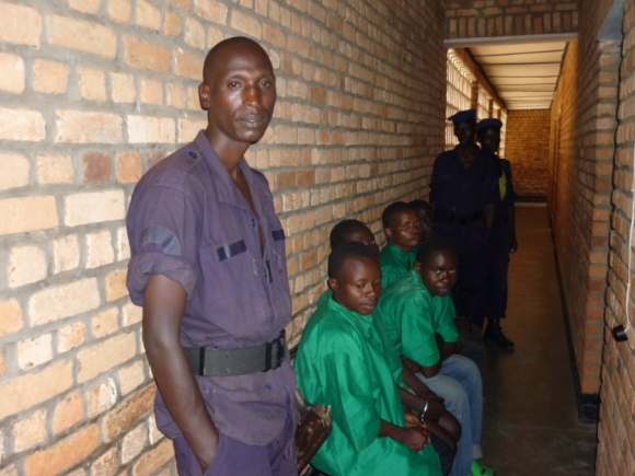 rdtable3_burundi_8_police-escort-guards_resized.JPG