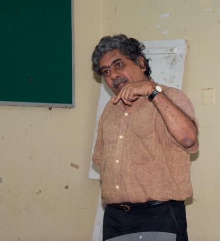 Prof. Sujato Bhadra answering participants' queries