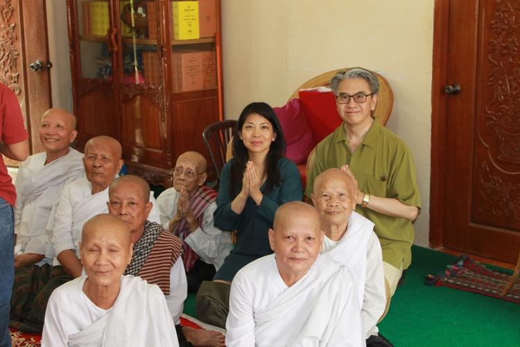blessing_monks