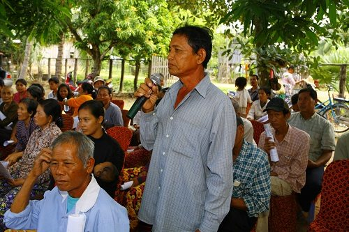 Cambodian villager speaks at second day of Street Law in Pursat.